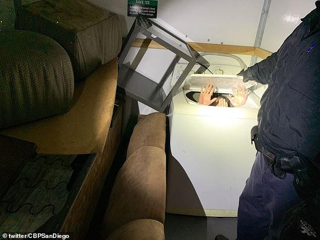 Phát hiện 11 người di cư Trung Quốc trốn trong máy giặt, tủ quần áo để vào Mỹ - Ảnh 1