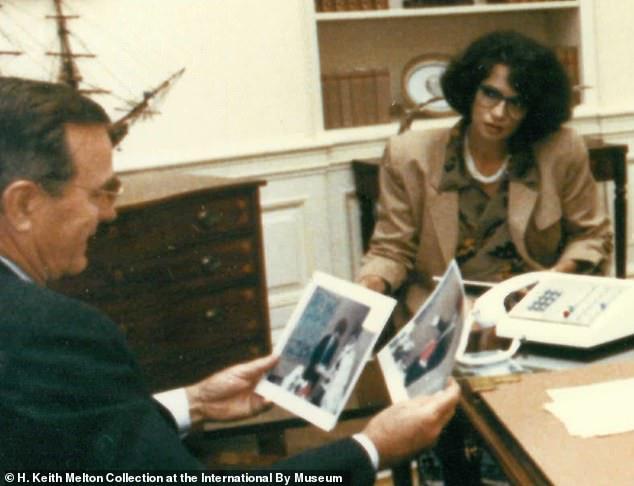 """Bà """"trùm"""" cải trang của CIA từng khiến Tổng thống Bush kinh ngạc khi lột mặt nạ ngay tại Nhà Trắng - Ảnh 1"""