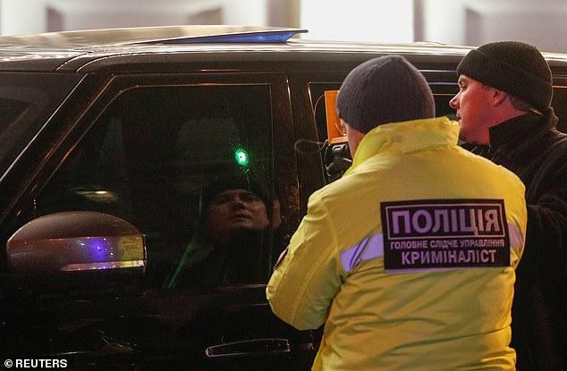 Nhà lập pháp Ukraine bị ám sát trượt bằng súng, con trai 3 tuổi tử vong  - Ảnh 2