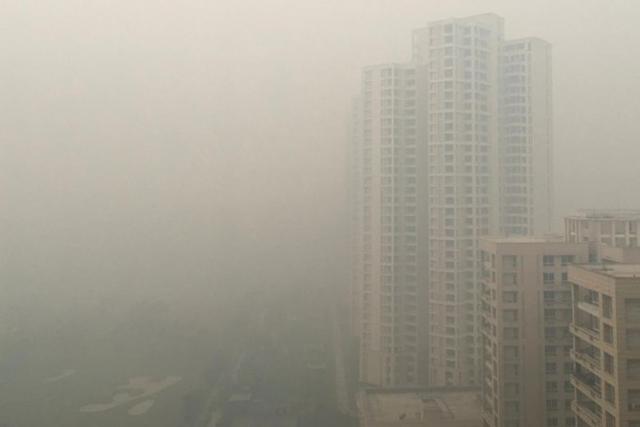 Cận cảnh thủ đô của Ấn Độ chìm trong khói bụi nghiêm trọng, người dân như hút 50 điếu thuốc một ngày - Ảnh 7