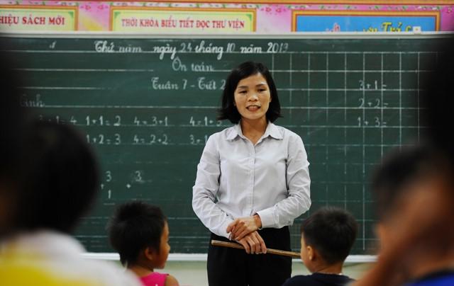 Nữ giáo viên gạt nỗi niềm riêng, gieo con chữ cho học trò nghèo - Ảnh 1