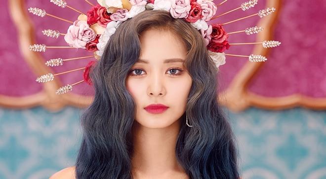 Nhan sắc không tì vết của Tzuyu: Nữ ca sĩ đứng đầu danh sách 100 gương mặt đẹp nhất thế giới - Ảnh 7