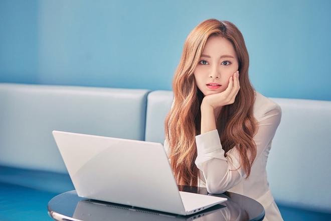 Nhan sắc không tì vết của Tzuyu: Nữ ca sĩ đứng đầu danh sách 100 gương mặt đẹp nhất thế giới - Ảnh 8