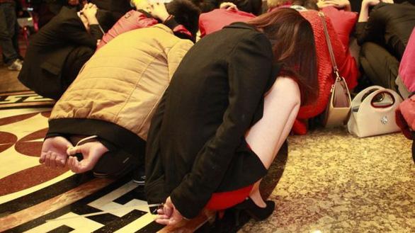 Trung Quốc chính thức xóa bỏ trại phục hồi nhân phẩm với người hành nghề mại dâm - Ảnh 1