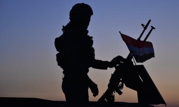 Mỹ không kích đáp trả nhằm vào nhóm phiến quân tại Iraq và Syria, 25 tay súng thiệt mạng - Ảnh 1