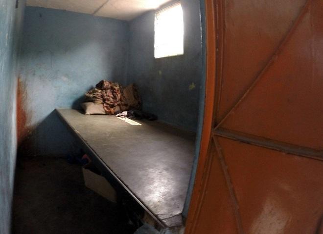 Cuộc sống tạm bợ, đầy tủi nhục của những cô gái trong khu đèn đỏ khét tiếng tại Ấn Độ  - Ảnh 2