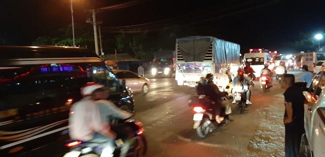 Tránh tắc đường sau Tết, người dân chọn chạy xe suốt đêm để về TP Hồ Chí Minh  - Ảnh 2