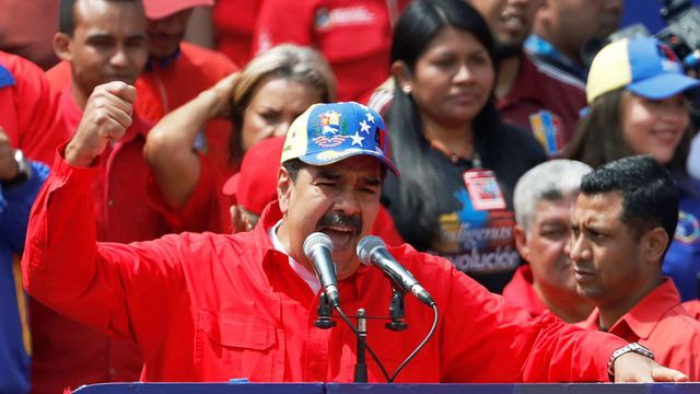 Khủng hoảng tại Venezuela: Hàng chục nghìn người biểu tình đòi viện trợ - Ảnh 2