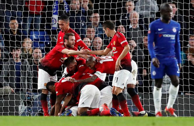 """""""Phục thù"""" Chelsea với tỉ số 2-0, M.U giành vé vào tứ kết FA Cup - Ảnh 1"""