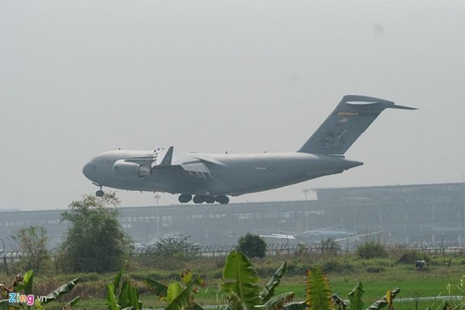 Gấp rút chuẩn bị Hội nghị thượng đỉnh, 'ngựa thồ' C-17 tiếp tục hạ cánh tại sân bay Nội Bài  - Ảnh 5