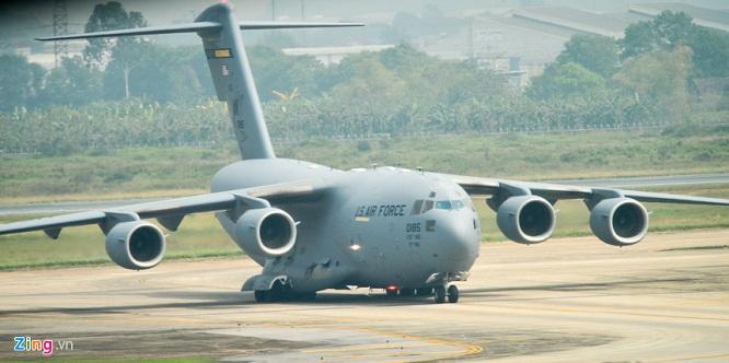 Gấp rút chuẩn bị Hội nghị thượng đỉnh, 'ngựa thồ' C-17 tiếp tục hạ cánh tại sân bay Nội Bài  - Ảnh 8