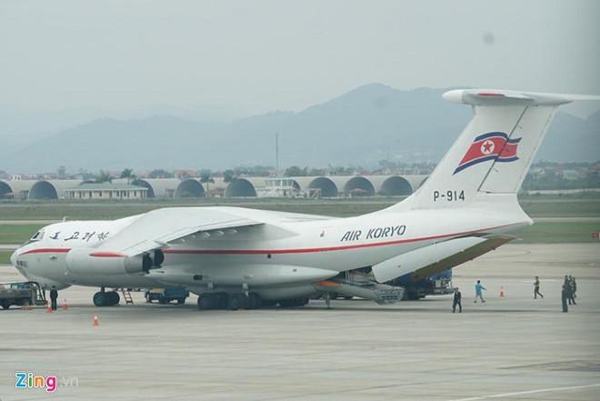 Cận cảnh phái đoàn an ninh của Triều Tiên với gần 100 người có mặt tại Hà Nội - Ảnh 1