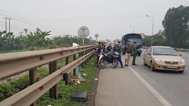 Tin tai nạn giao thông mới nhất ngày 18/3/2019: Hai vợ chồng 80 tuổi bị tàu hỏa đâm tử vong - Ảnh 1