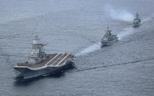 Ấn Độ triển khai hàng loạt chiến hạm, tàu ngầm hạt nhân giữa lúc căng thẳng leo thang - Ảnh 1