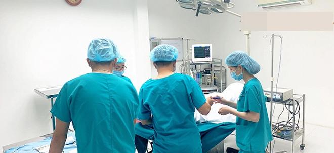 Ca sĩ Long Nhật phẫu thuật chuyển giới ở tuổi 52? - Ảnh 1
