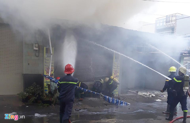 TP.HCM: Cháy cửa hàng điện tử, cụ ông 75 tuổi tử vong - Ảnh 1
