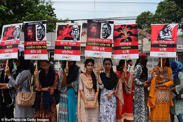 Bangladesh: Nữ sinh 19 tuổi bị thiêu sống thương tâm, sau khi tố hiệu trưởng quấy rối tình dục - Ảnh 2