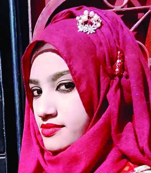 Bangladesh: Nữ sinh 19 tuổi bị thiêu sống thương tâm, sau khi tố hiệu trưởng quấy rối tình dục - Ảnh 1