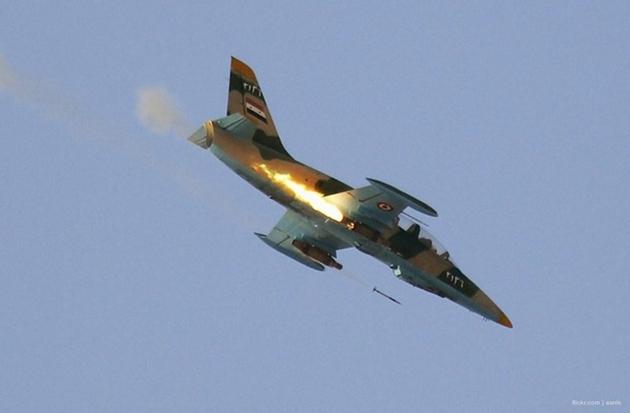 """Quân đội Syria dội """"mưa"""" hỏa lực tiêu diệt phiến quân tại Aleppo, trả đũa vụ 21 binh sĩ bị sát hại - Ảnh 1"""