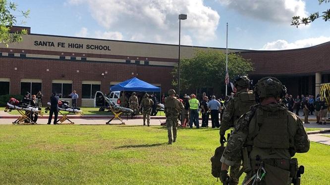 Nổ súng tại trường tiểu học Mỹ, 10 học sinh trúng đạn - Ảnh 2