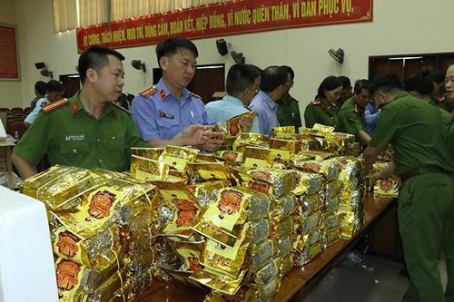 Khởi tố bị can trong đường dây buôn bán hơn 600 kg ma túy ở Hà Tĩnh - Ảnh 1