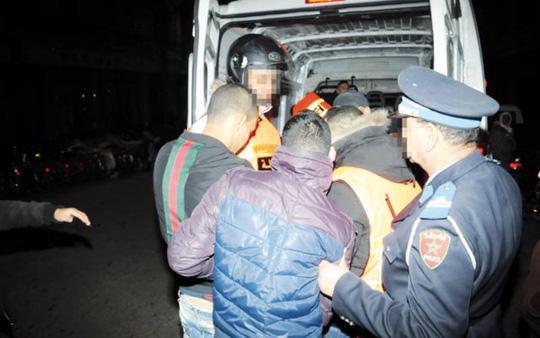 Truy tìm 6 kẻ tấn công tình dục bé gái 12 tuổi ngay trên xe buýt ở Anh - Ảnh 2