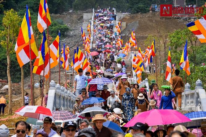 Độc đáo nghi lễ tắm Phật chùa Tam Chúc, mừng Đại lễ Phật đản Vesak 2019 - Ảnh 10