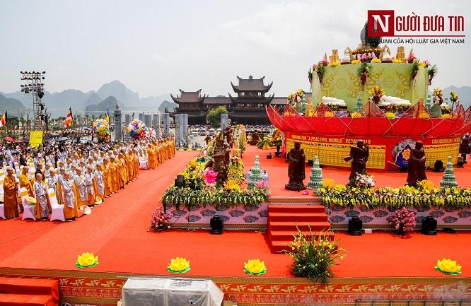 Độc đáo nghi lễ tắm Phật chùa Tam Chúc, mừng Đại lễ Phật đản Vesak 2019 - Ảnh 9