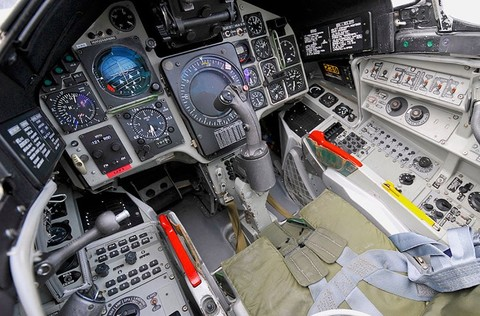 """Hé lộ tiêm kích """"khóa"""" được máy bay trinh sát nhanh nhất thế giới của Mỹ - Ảnh 4"""