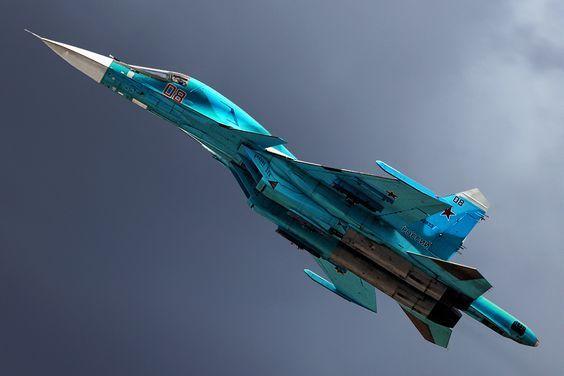 """Video: Cận cảnh """"cỗ xe tăng bay"""" Su-34 của Nga ném bom 1,5 tấn  - Ảnh 1"""