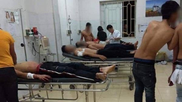 Hai nhóm trai làng hỗn chiến do ghen tuông, 6 người nhập viện cấp cứu - Ảnh 1