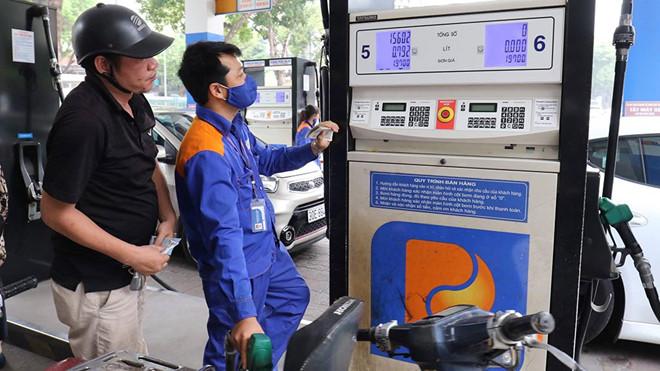 Giá xăng chính thức tăng lần thứ 3 trong vòng 1 tháng, RON 95 vượt mức 22.000 đồng/lít - Ảnh 1