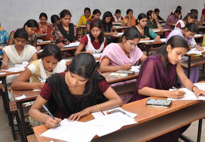 Gần 20 học sinh Ấn Độ tự tử thương tâm vì 'bị chấm nhầm điểm thi' - Ảnh 1