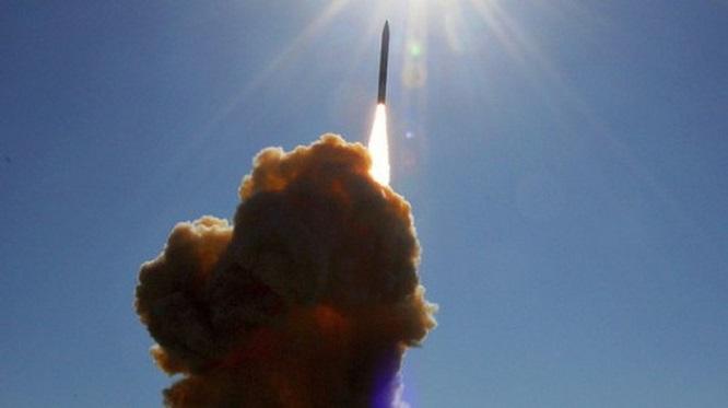 Video: Cận cảnh màn phóng thử siêu tên lửa đáng sợ nhất thế giới Minuteman III của Mỹ - Ảnh 1