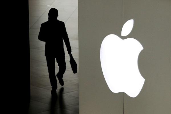 Bắt giữ 2 kỹ sư Trung Quốc dùng iPhone giả để lừa đảo, 'đút túi' gần 1 triệu USD - Ảnh 1