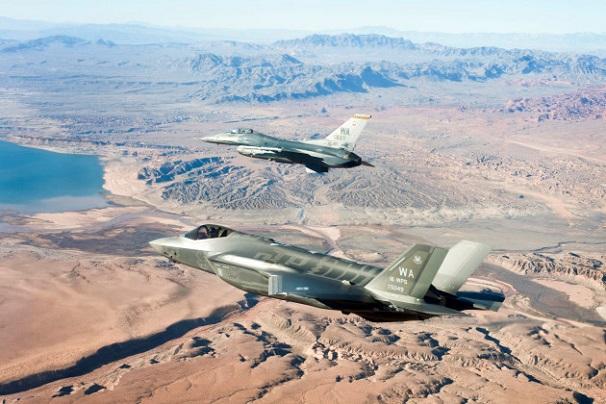 Nhật bất ngờ đặt mua thêm 105 chiếc tiêm kích tàng hình F-35 của Mỹ  - Ảnh 2