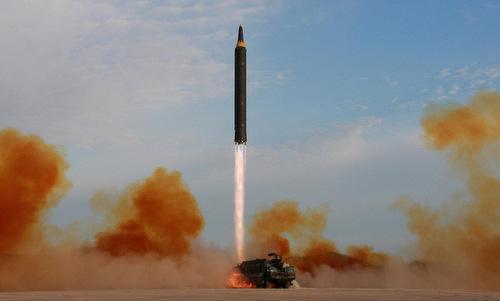 """Giới chuyên gia nói gì về động thái phóng thử """"các vật thể bay không xác định"""" của Triều Tiên? - Ảnh 1"""