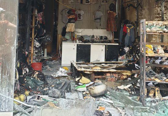 Hải Phòng: Bắt thanh niên đổ xăng đốt cửa hàng quần áo của 'vợ' cũ - Ảnh 2
