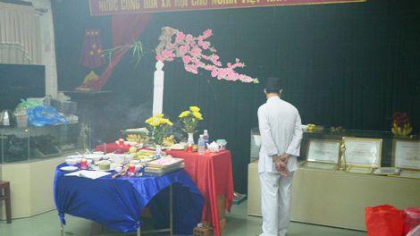 Giám đốc Đài PT-TH Quảng Trị bị kỷ luật do mời thầy cúng làm lễ, mê tín dị đoan tại cơ quan - Ảnh 1