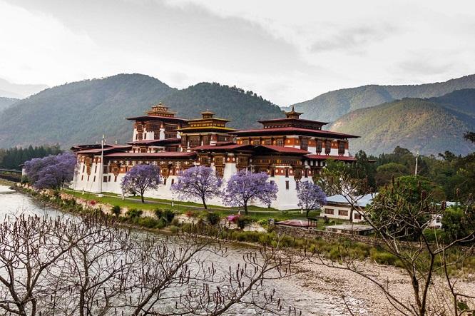 Những điều không tưởng về Bhutan: Vương quốc của niềm tin và sự hạnh phúc - Ảnh 1
