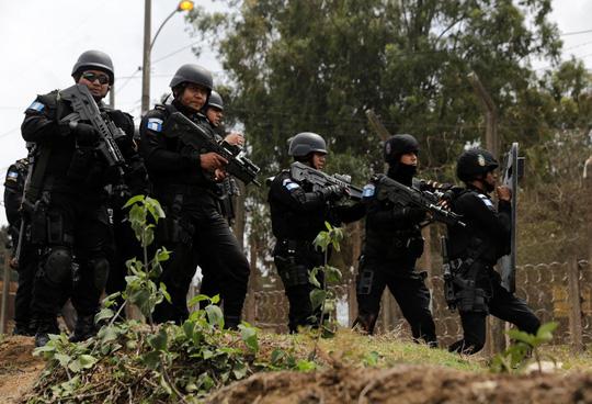 Xả súng tại nhà tù Guatemala, ít nhất 24 người thương vong - Ảnh 1