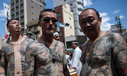 Các băng đảng mafia tại Nhật Bản điêu đứng trước sự truy quét gắt gao của cảnh sát  - Ảnh 2