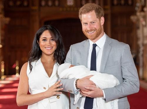 Chính thức công bố tên con trai của Hoàng tử Harry và Công nương Meghan - Ảnh 1