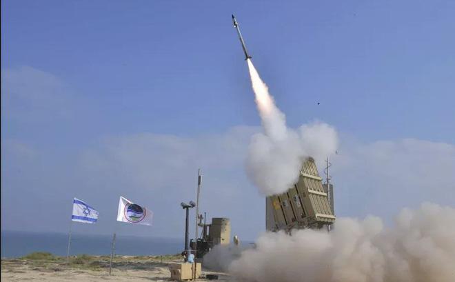 Bị nã rocket, Israel điều chiến đấu cơ không kích trả đũa quyết liệt - Ảnh 1