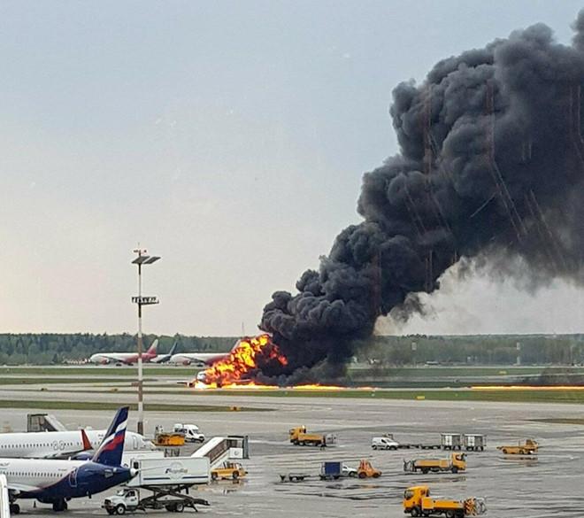 Vụ máy bay Nga bốc cháy khiến 41 người thiệt mạng: Xác định nguyên nhân - Ảnh 1