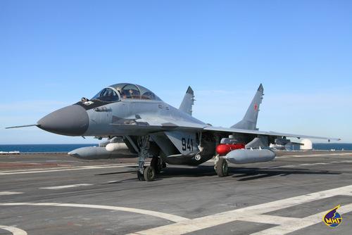 Tiêm kích MiG-29K đánh rơi thùng nhiên liệu lúc cất cánh, gây hỏa hoạn tại sân bay Ấn Độ - Ảnh 2