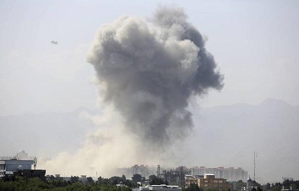 Afghanistan: Đánh bom kinh hoàng ngay tại thủ đô Kabul, ít nhất 34 người thiệt mạng - Ảnh 1