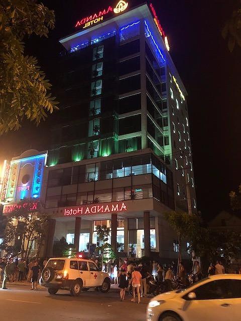 Quảng Bình: Nhảy từ tầng 11 của khách sạn xuống đất, người đàn ông tử vong tại chỗ  - Ảnh 1