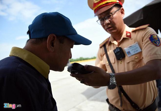 Cần Thơ: Phát hiện tài xế xe khách dương tính với ma túy - Ảnh 1