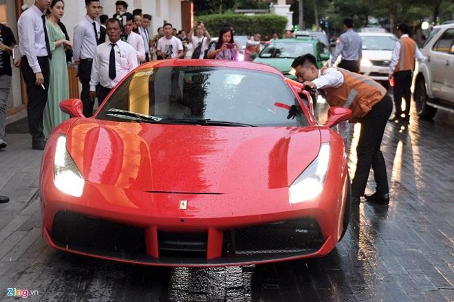 Mãn nhãn trước dàn siêu xe nối đuôi tới dự lễ cưới của Cường Đô La và Đàm Thu Trang - Ảnh 4